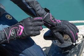 Escoger guantes de moto